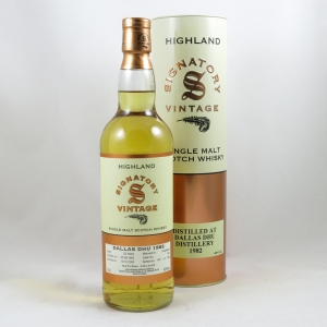 Dallas Dhu 1982 Signatory Vintage 23 Year Old front