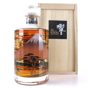 Hibiki 21 Year Old Mount Fuji Limited Edition / Wooden Box