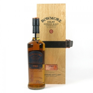 Bowmore 1982 29 Year Old Front