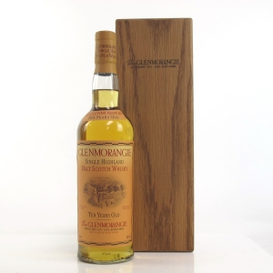 Glenmorangie 10 Year Old Signed by the 16 Men of Tain / Including Wooden Presentation Box
