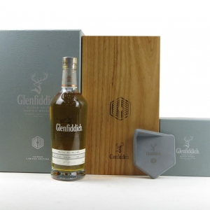 Glenfiddich 1994 Single Cask 20 Year Old / Bourbon Oak / Includes Clay Stand
