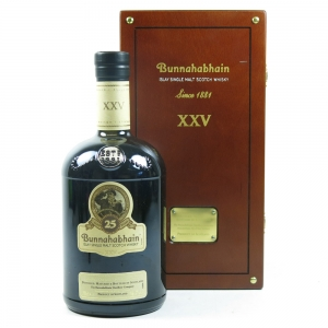 Bunnahabhain 25 Year Old Front