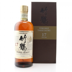 Taketsuru 17 Year Old Pure Malt / Wooden Presentation