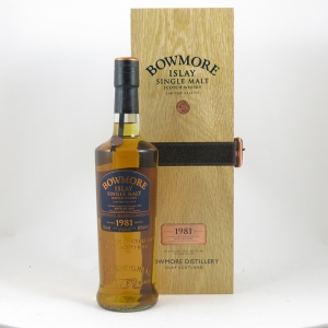 Bowmore 1981 28 Year Old front